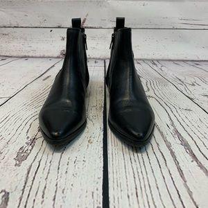 Clark's Artesian Black Low Heel Zip Ankle Boot 6.5